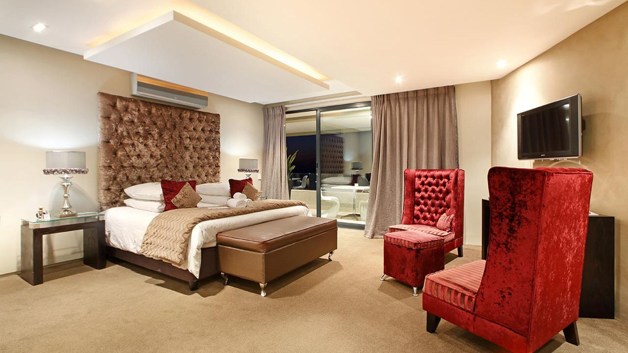 Azamare-Camps-Bay-Rooms-Periwinkle-Interior